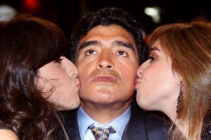 """""""Los jueces de la moral en TV me aniquilan"""": Hijas de Maradona explotan ante críticas a su padre"""