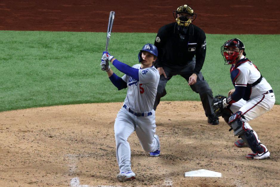 Dodgers no se rinden y vencen a Bravos para seguir con vida