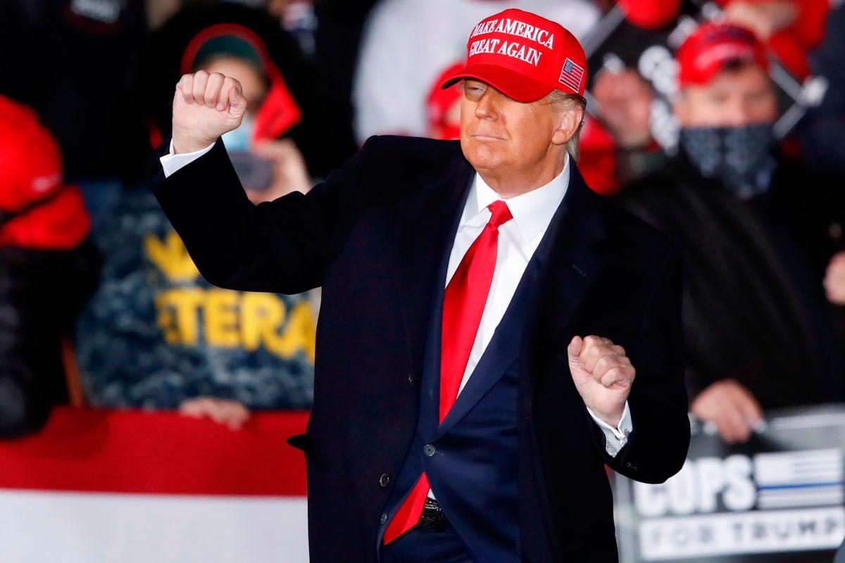 """Trump escribe que """"están tratando de robarse la elección"""", pero Twitter bloquea el mensaje"""
