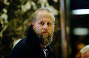 Exjefe de campaña de Trump renuncia tras supuesto intento de suicidio y detención