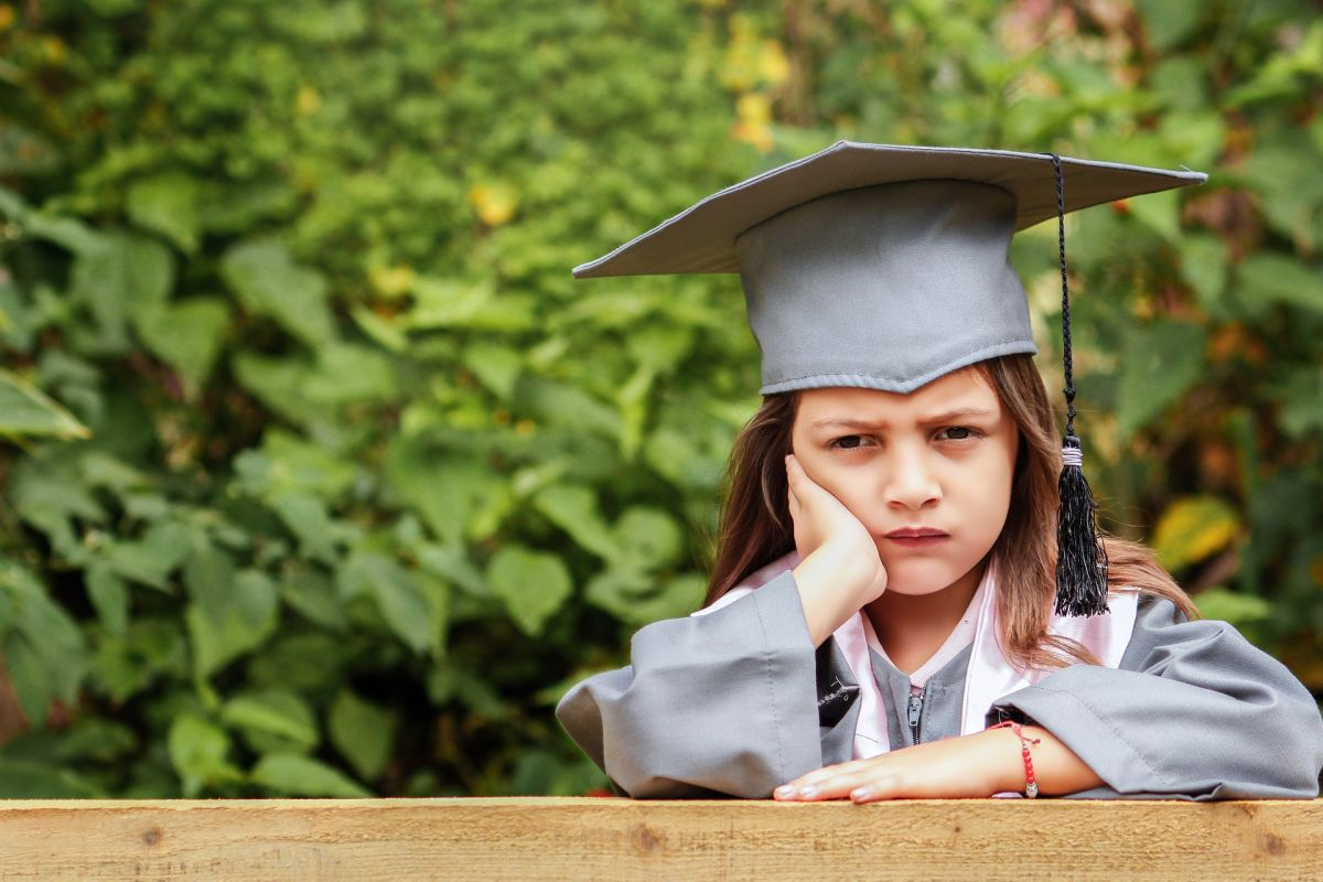 No se puede utilizar la pobreza como excusa por los fallos de la educación pública
