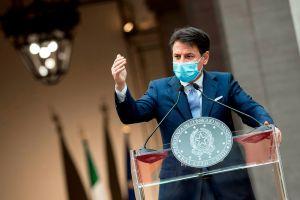 Italia cierra cines y teatros ante incremento de casos de coronavirus