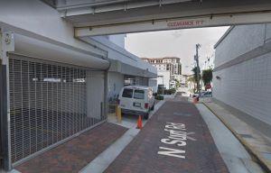 Un policía de Florida dispara a un hombre que iba completamente desnudo afuera de un edificio