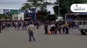 """VIDEO: Nueva caravana migrante; 3,000 hondureños ingresan a Guatemala, buscan """"el sueño americano"""""""