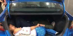 Descubren a migrantes indocumentados escondidos en las cajuelas de vehículos tratando de cruzar a Texas