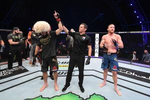 Khabib Nurmagomedov podría arrepentirse y no retirarse de la UFC, afirma su entrenador