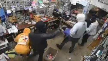 Captan en video a grupo de asaltantes que pegó dos veces en el mismo lugar en menos de dos semanas