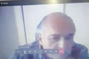 """""""Los pobres ya se quedaron fuera"""", dice profesor a estudiante porque no sirve su videocámara"""