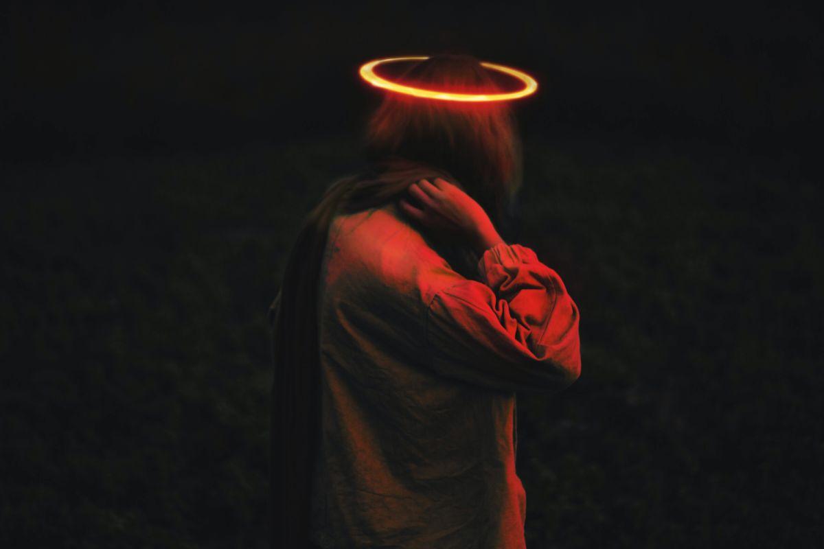 Qué ocurre cuando el aura se oscurece y cómo limpiarla de la energía negativa