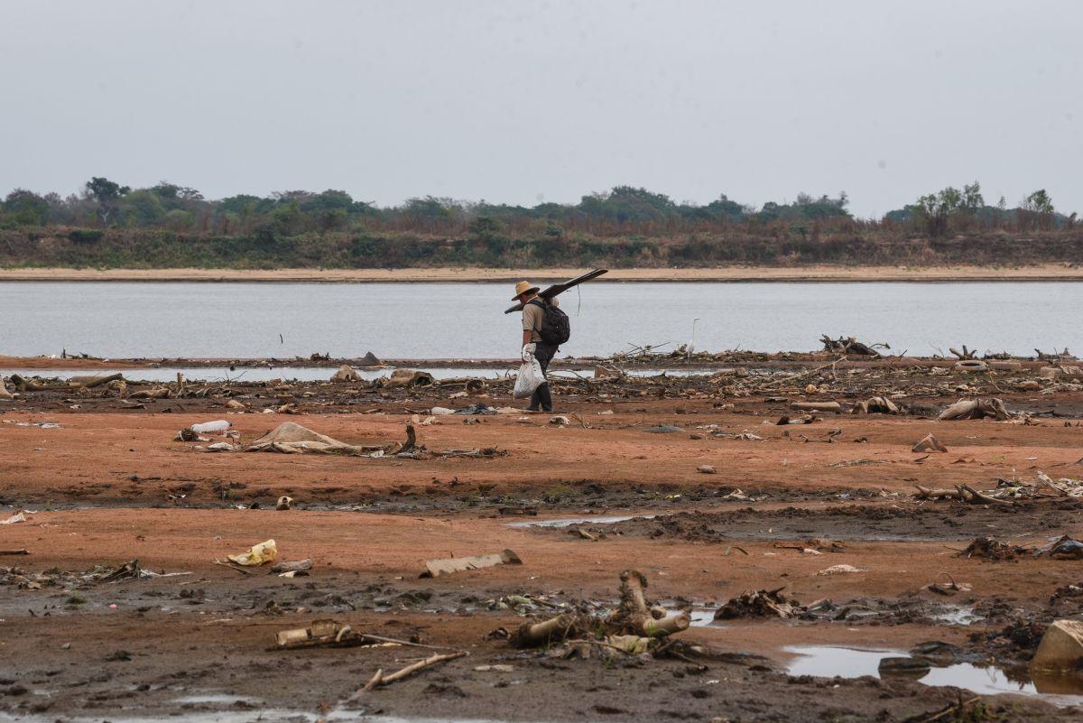La histórica sequía del río Paraguay amenaza a la economía del país