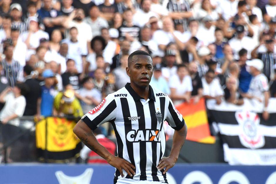 El escándalo de Robinho: acusado de violación en Italia, no podrá jugar en Brasil por presión de los patrocinadores