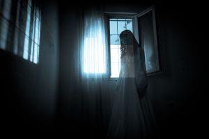Grababa video en TikTok cuando es sorprendida por un fantasma