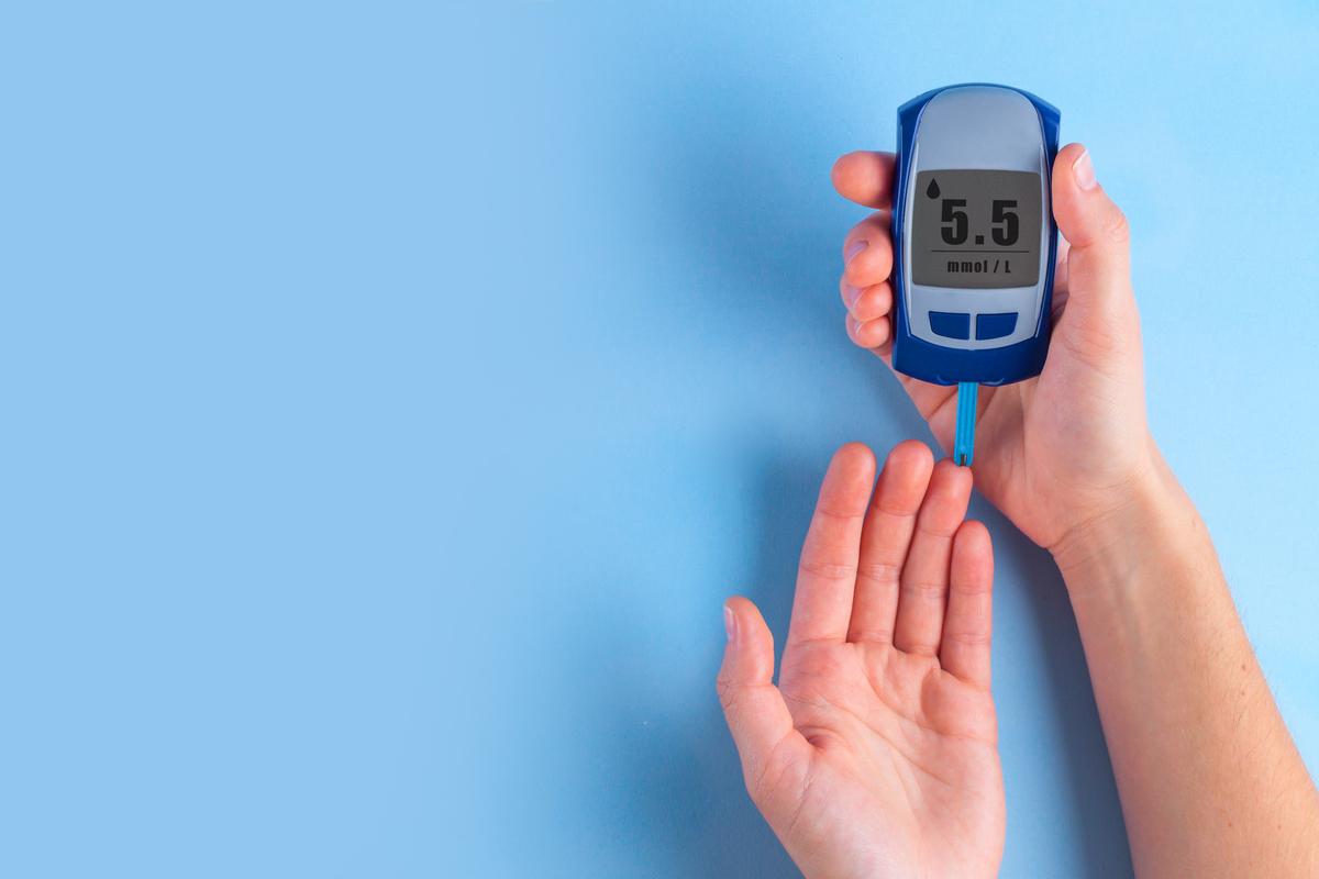 Las personas con diabetes que adquieren COVID-19, tienen un mayor riesgo de complicaciones. (Shutterstock)
