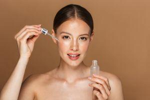 Los 5 mejores sérums faciales para nutrir y rejuvenecer tu piel