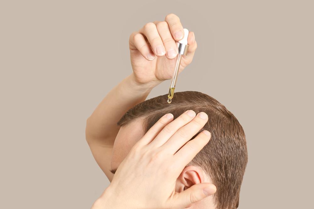 3 aceites esenciales que ayudan a acelerar el crecimiento del cabello
