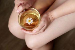 4 infusiones y tés que alivian el mal de orín