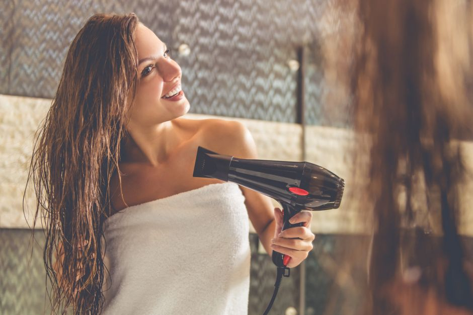 4 herramientas de estilismo para cabello si no eres muy diestra peinándote