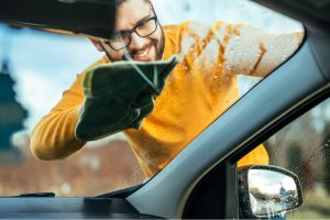 Los 5 mejores kits para la limpieza de tu auto que debes tener en casa