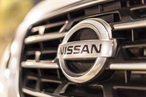 """Invierte tan solo $380 para transformar su auto Nissan en un """"Tesla"""""""