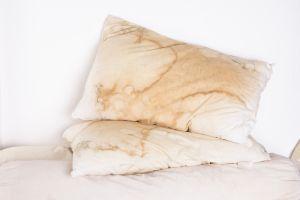 ¿Duermes con una almohada vieja y sin forma? Mira estas opciones para dormir mejor