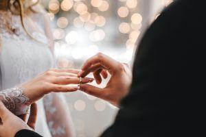Estuvieron a punto de no casarse porque minutos antes de la boda se perdió el perro, días después apareció