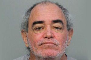Arrestan al hombre que pudo matar al anciano hispano de 93 años a puñaladas en su casa de Miami