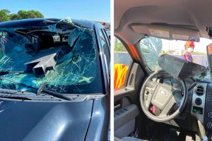 """Conductor de Florida se """"salva de milagro"""" tras el impacto de una pieza de metal en su vehículo"""