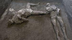 Descubren en Pompeya los restos de un hombre rico y su esclavo muertos en la explosión del Vesubio hace casi 2.000 años