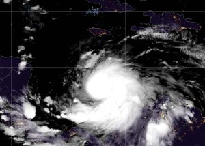 La tormenta tropical Iota es casi un huracán ya en ruta hacia Honduras y Nicaragua