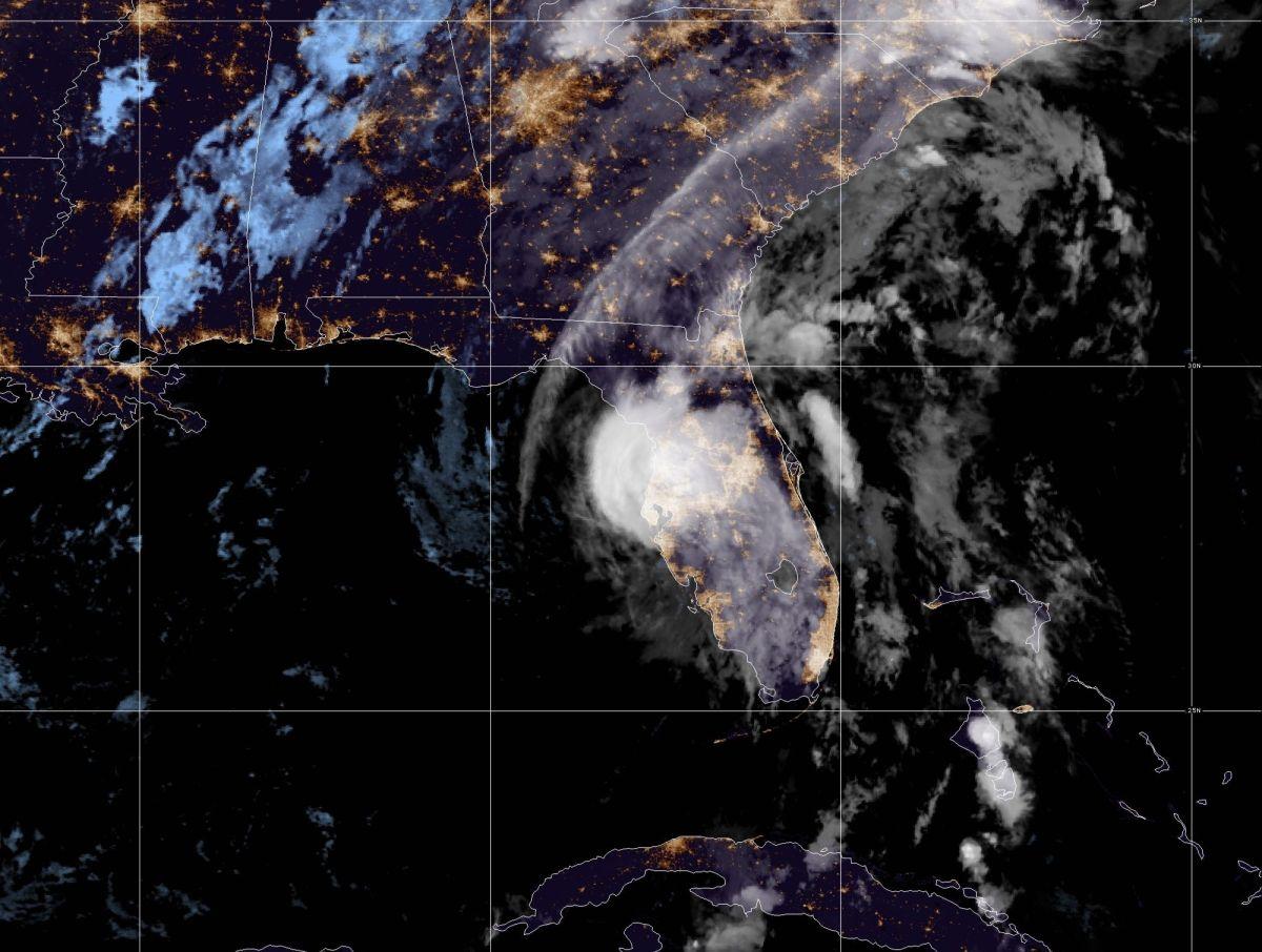 La tormenta tropical Eta trae fuertes vientos a la costa oeste de Florida antes de tocar tierra