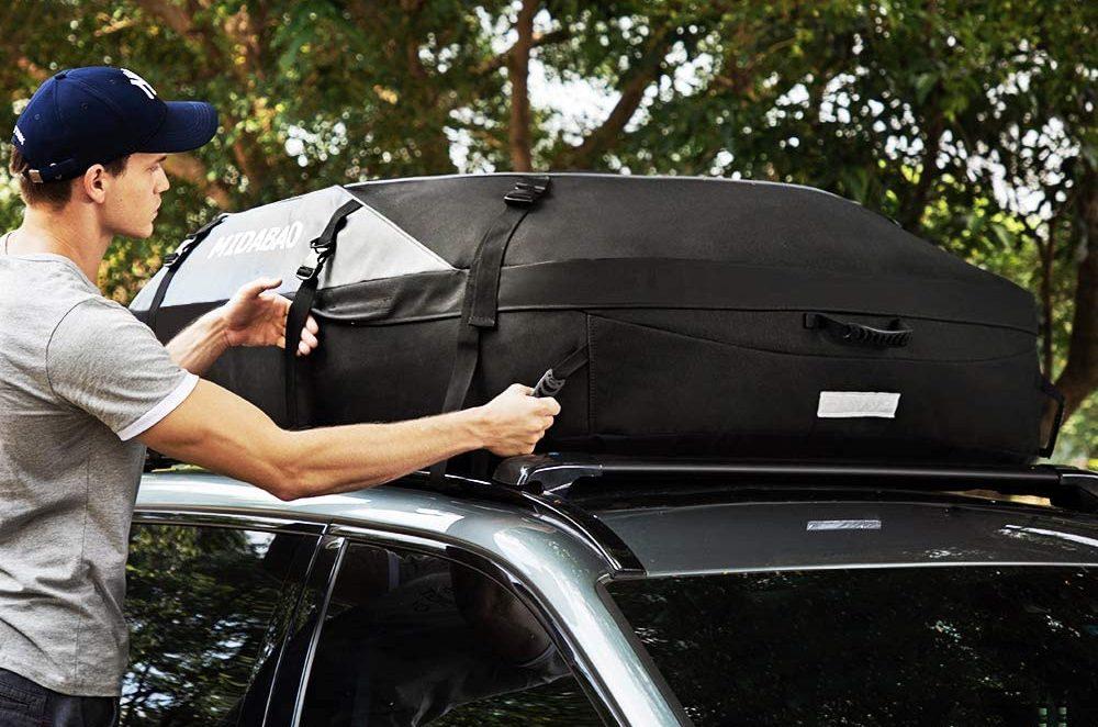 Cajas y bolsas para equipaje que puedes colocar en el techo de tu auto para irte de vacaciones