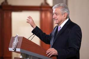 AMLO pronostica recuperación económica de México en primer trimestre de 2021