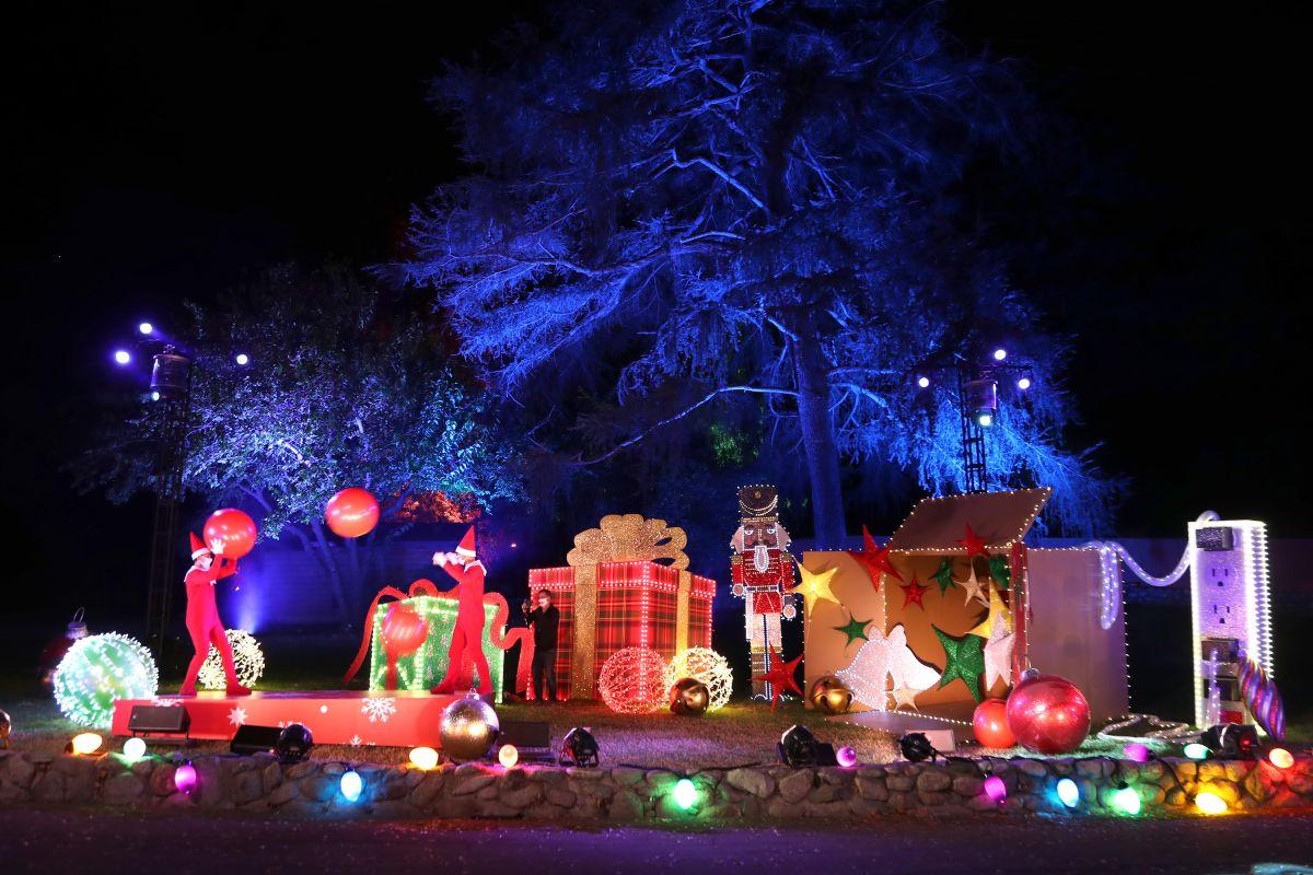The Elf on the Shelf's Magical Holiday Journey llega para salvar la Navidad