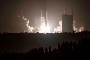 La ambiciosa misión a la Luna que lanzó China para traer rocas a la Tierra por primera vez en 40 años