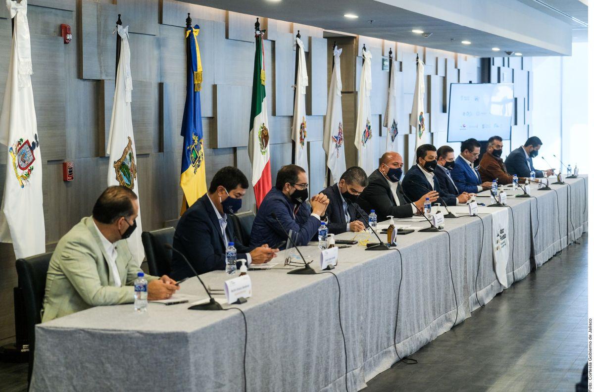 Gobernadores mexicanos opositores a AMLO demandan aclarar compra de vacunas contra COVID-19