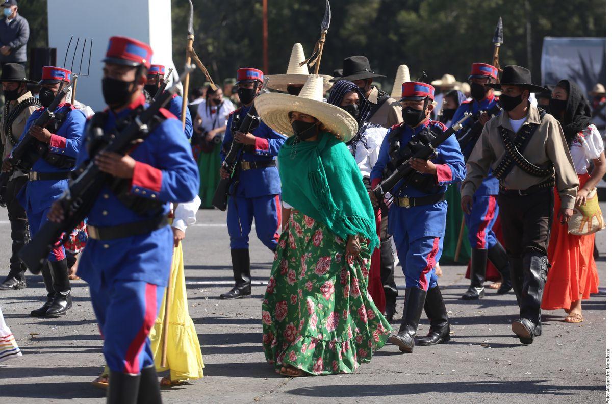 Adelitas, charros y soldados se preparan para aniversario de la Revolución Mexicana