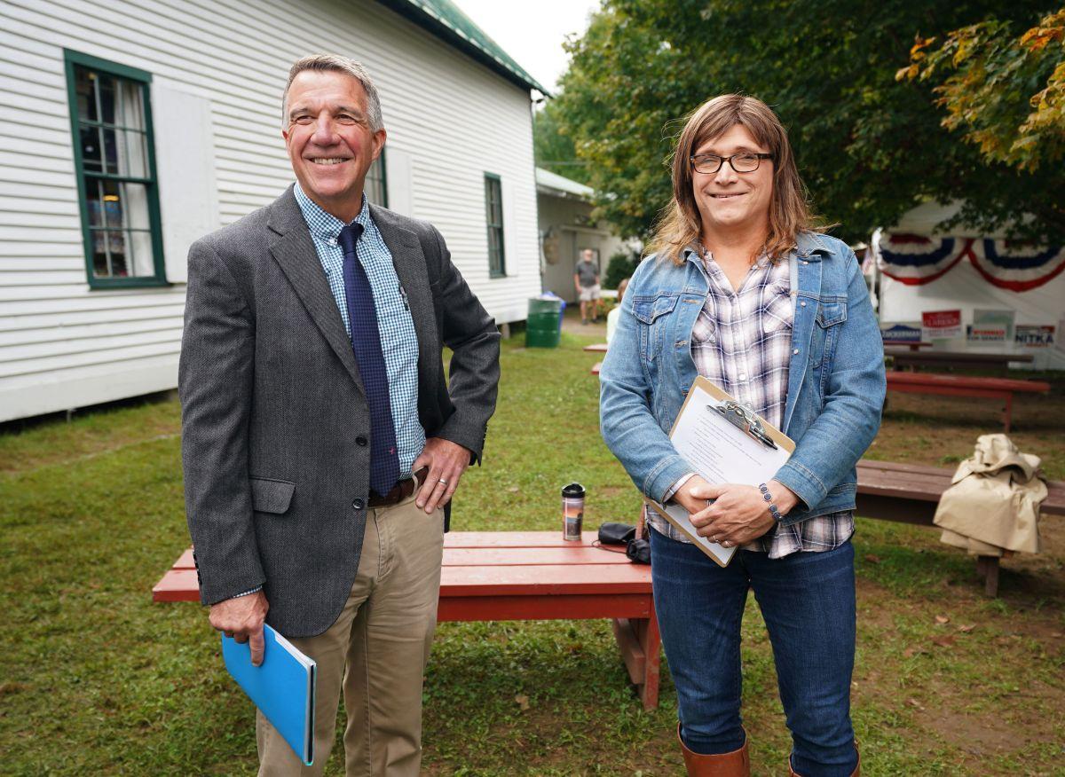 Gobernador de Vermont es el primer republicano de su rango que vota por Biden