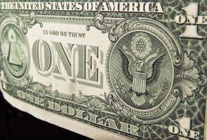 A cuánto se vende el dólar hoy en México: El peso se coloca frente al billete verde