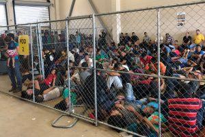 Fin de una pesadilla: cierran la cárcel de migrantes en la que encerraron a menores en jaulas