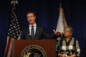 Gobernador Newsom propone paquete de $4.5 mil millones para el rescate económico de California