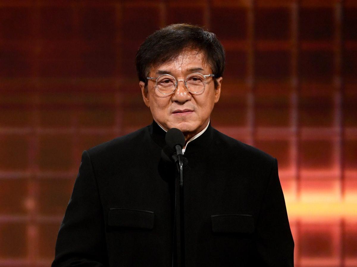 Conoce la dura vida de Jackie Chan antes de la fama