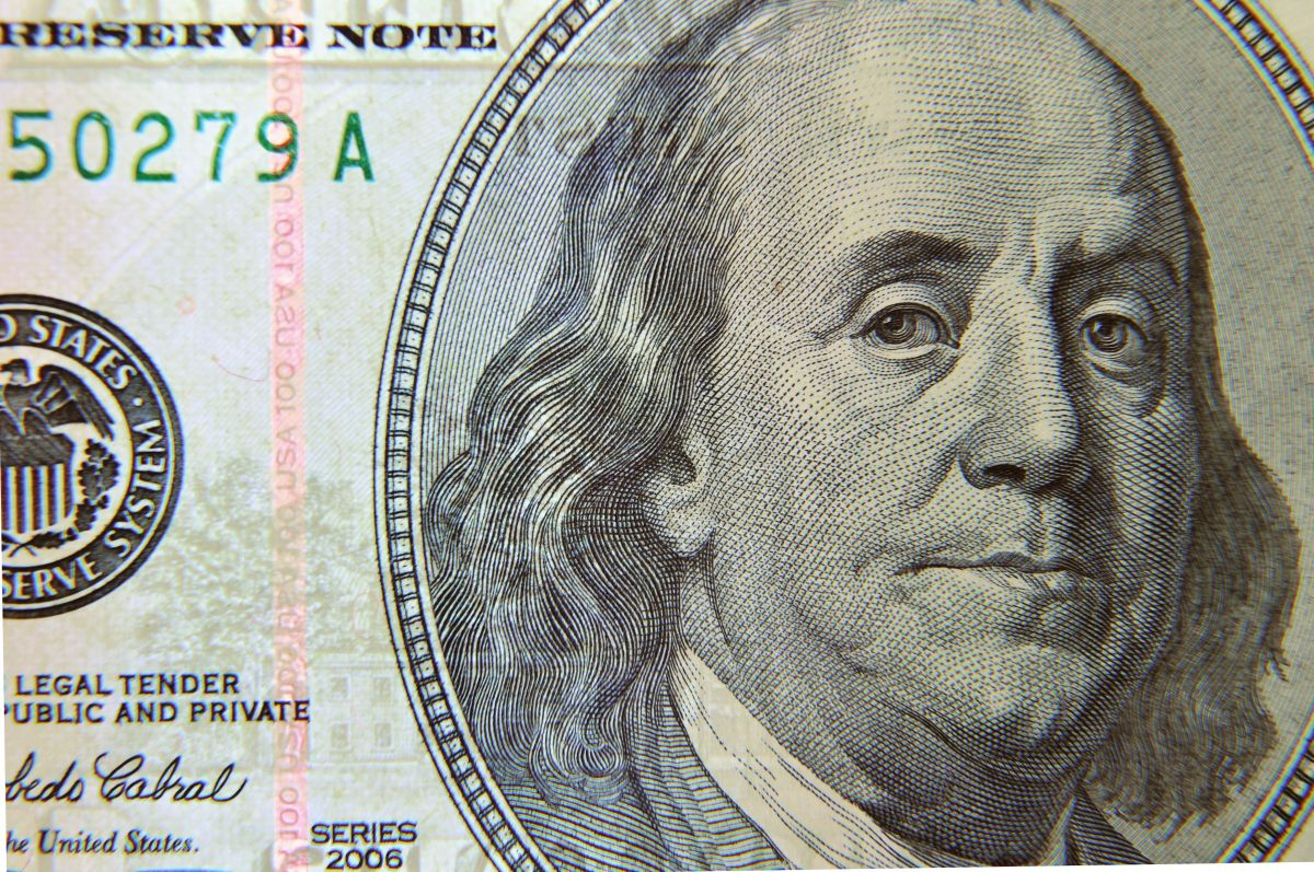 A cuánto se vende el dólar en México: El peso recupera terreno en pleno viernes 13