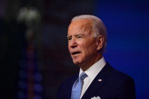 """Biden presiona para elevar los cheques de estímulo: """"no podemos dejar que la gente pase hambre"""""""""""