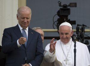 El Papa Francisco felicita a Joe Biden, quien será el segundo presidente católico