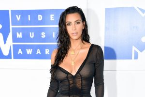 Kim Kardashian no contrajo el coronavirus en su polémica fiesta de cumpleaños en una isla privada