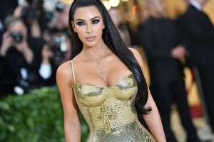 Kim Kardashian se toma con calma su divorcio con Kanye West, pero dicen que él quiere acabar con ella