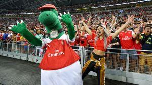 La mascota del Arsenal recupera su trabajo