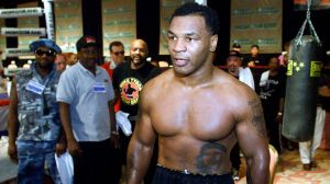 ¡Es un monstruo! Así se ve Mike Tyson a sus 54 años a una semana de su regreso