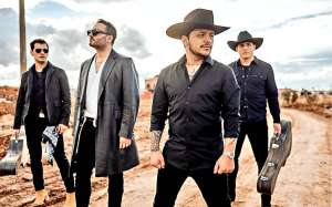 Reik debuta en el regional mexicano cantando junto a Christian Nodal