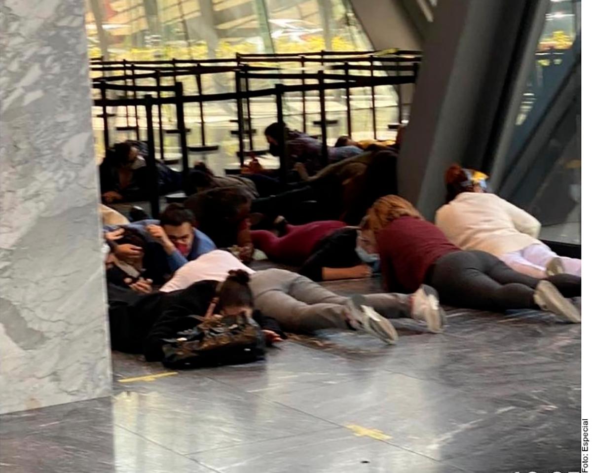VIDEO: Momentos de pánico en Ciudad de México por balacera en centro comercial